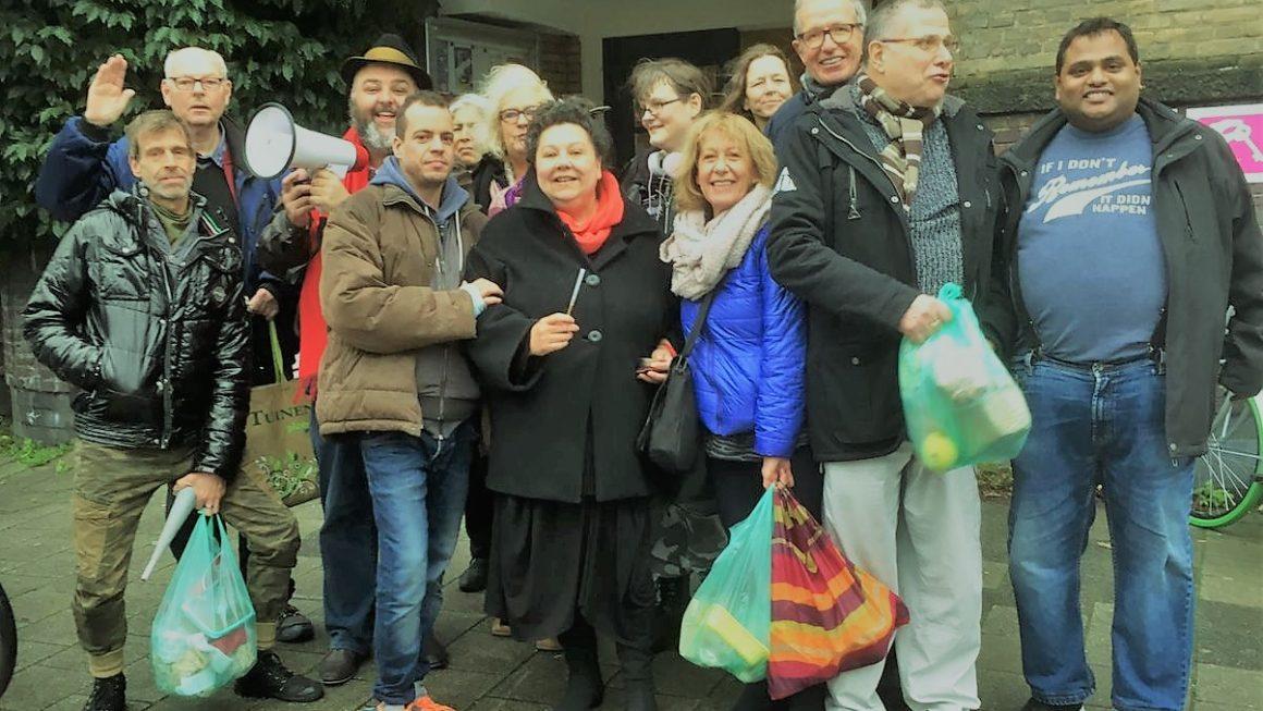 Bewoners demonstreren voor redding Huis van de Wijk op locatie Hygieaplein